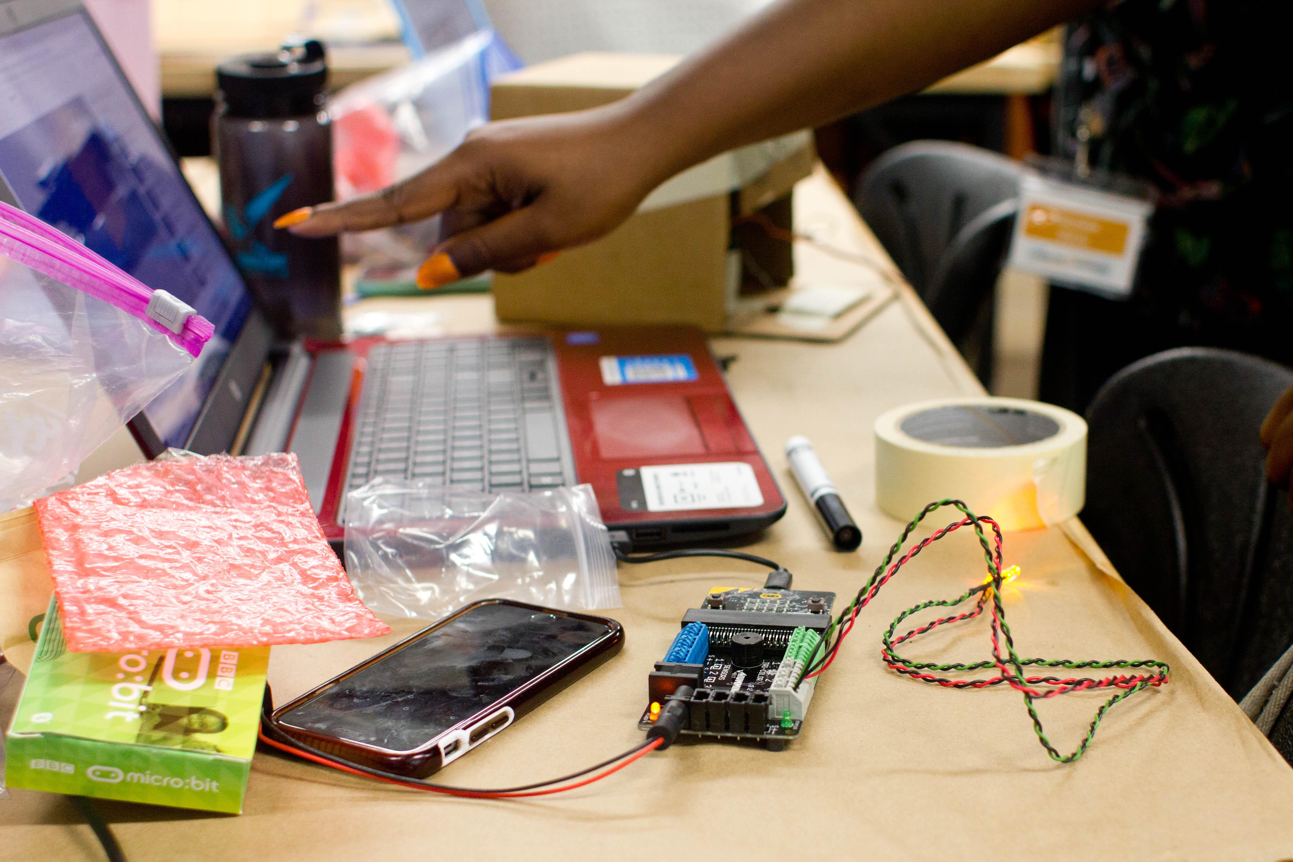 Hummingbird Robotics Kit Birdbrain Technologies Electronic Hobby Kits Electronics Projects